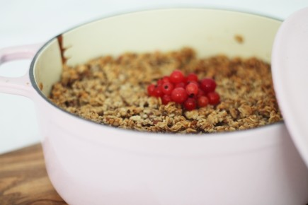 Apple & Redcurrant Crumble 1
