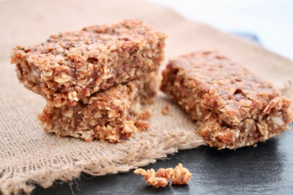 apple-cinnamon-granola-bars